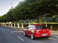 Opel Astra 2012 хэтчбек