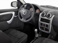 Renault Logan фото салона