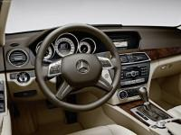 Фото салона Mercedes C-Class 2012