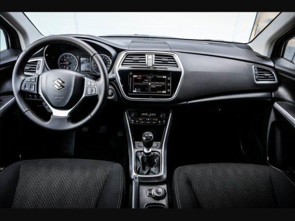 Фото салона Suzuki SX4 II