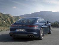 Фото нового Porsche Panamera 4S