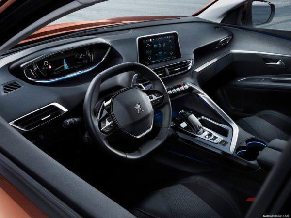 Салон нового Peugeot 3008