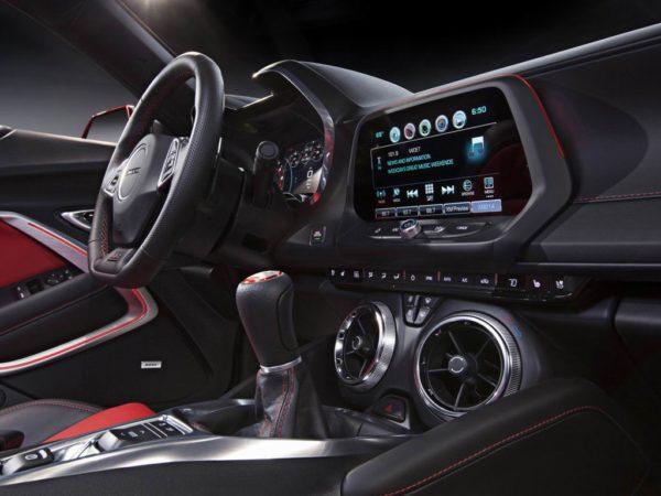 Интерьер Chevrolet Camaro VI