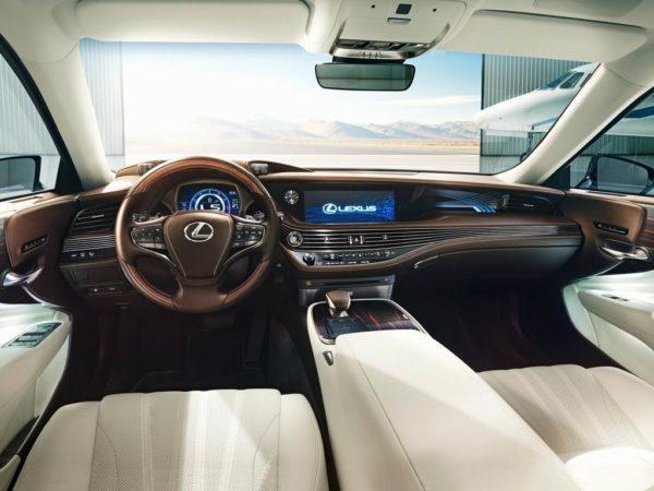 Салон нового Lexus LS 500