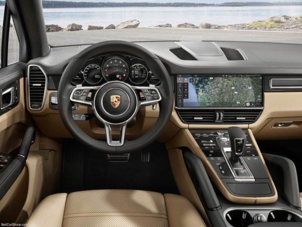 Салон нового Porsche Cayenne 3
