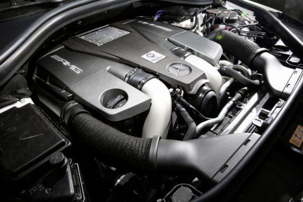 Двигатель 5.5 V8 biturbo