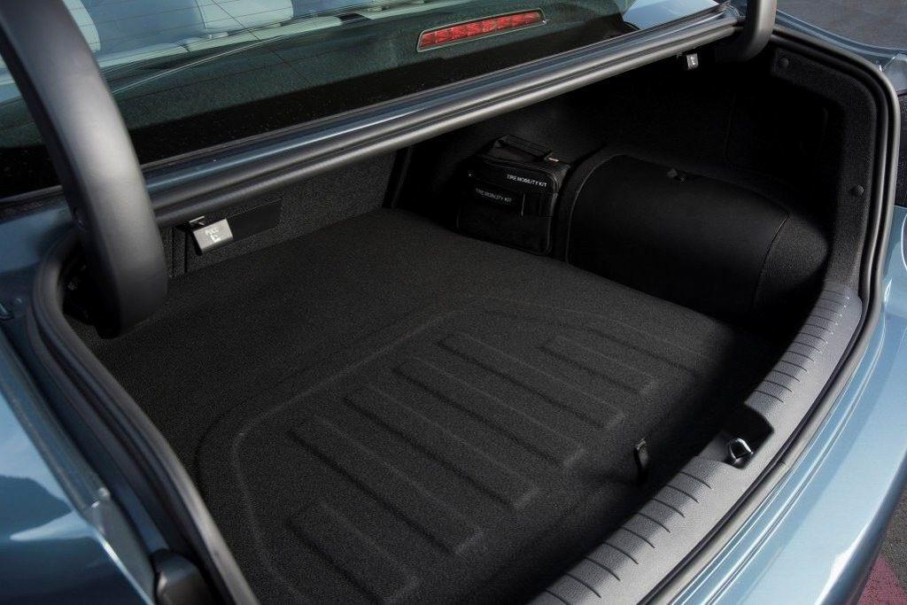Картинки по запросу Hyundai Sonata 7 багажник