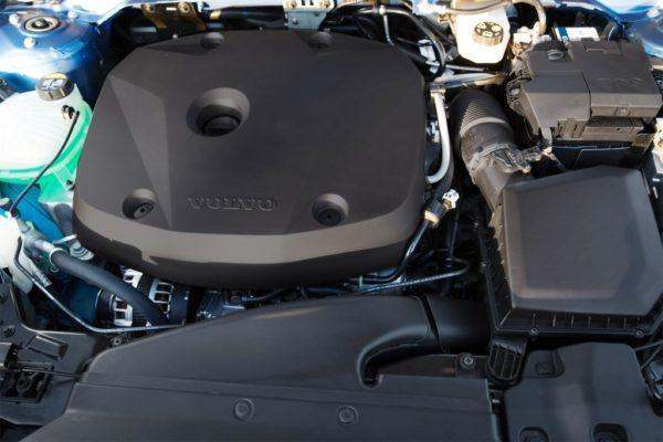 Двигатель XC40