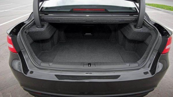 Багажник седана