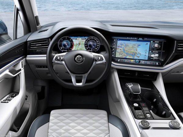 Салон Volkswagen Touareg 3