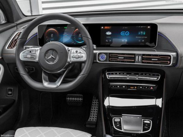 Салон Mercedes EQC