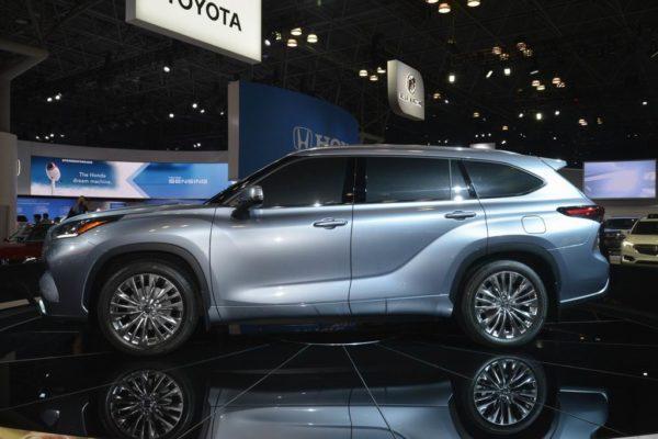 Новый кузов Тойота Хайлендер 2020