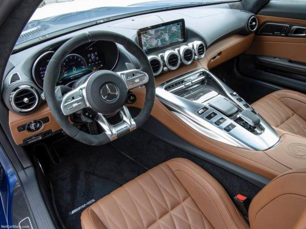 Салон Mercedes-AMG GT