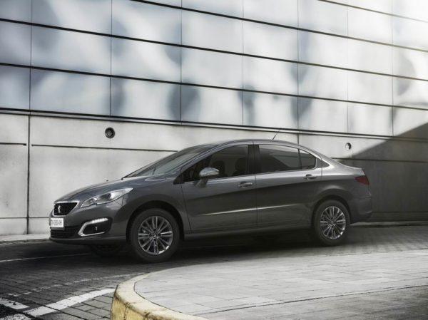 Новый Peugeot 408 2021