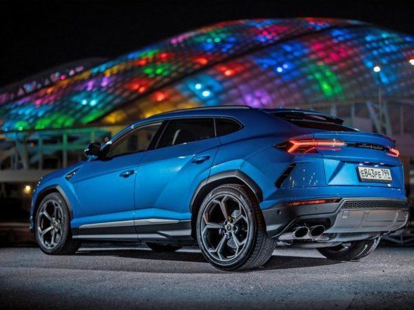 Новый Lamborghini Urus 2021 года