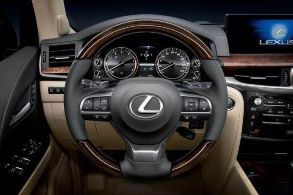 Салон Lexus LX 450d 2021