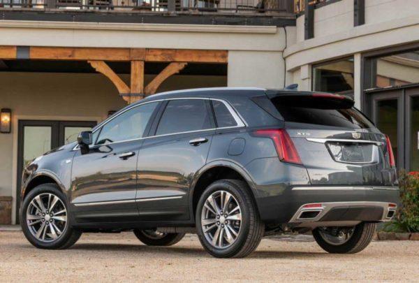 Новый Cadillac XT5 2021 года